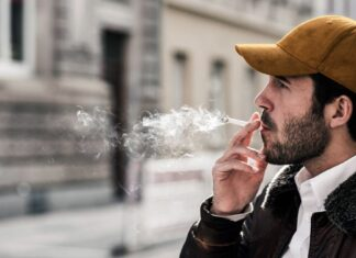 Smoker's teeth: diseases and effects of tobacco
