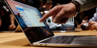 How much does it cost to replace a MacBook screen at the Apple store?