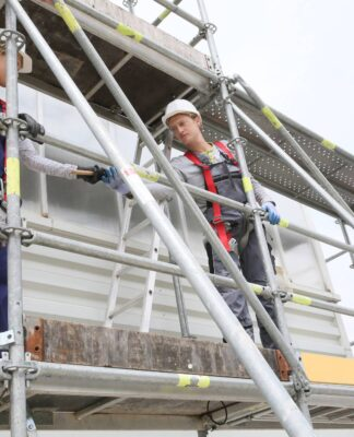 Understanding the Reasons Why You Should Hire Scaffolding Service Providers