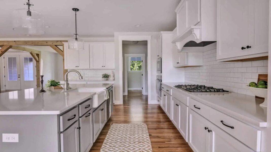 quartz kitchen countertops with white kitchen cabinets