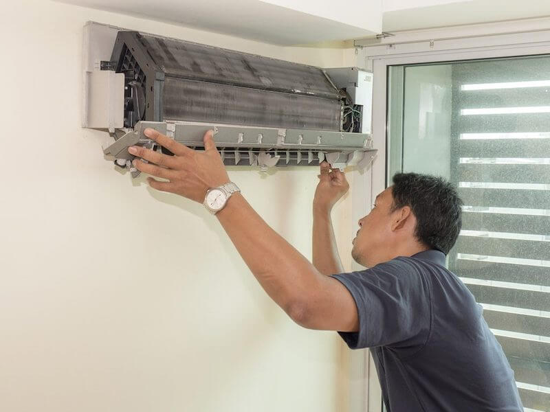 Signs You Need to Invest in a New Commercial Air Conditioning Unit
